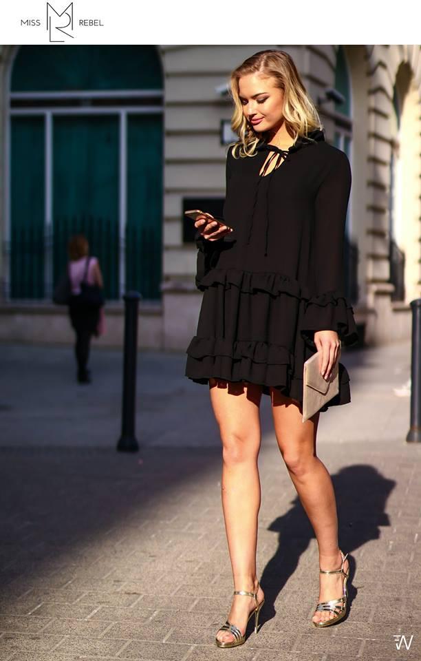 Anna ruha fekete