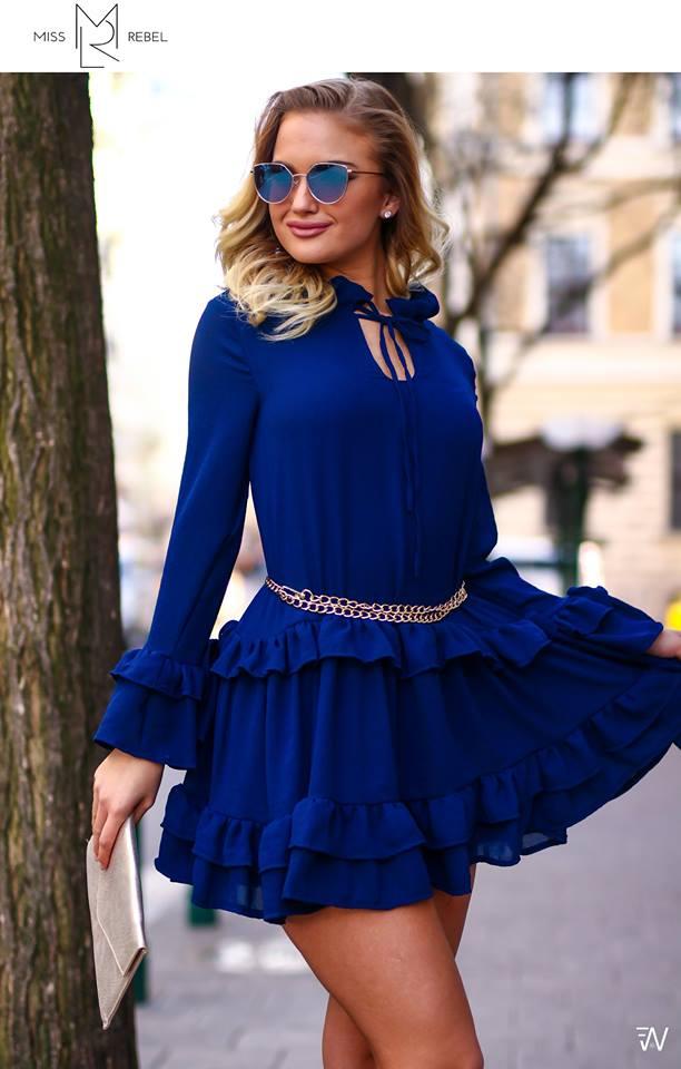 Anna ruha kék